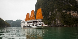 2 days 1 night tour in Halong on Vspirit Cruise