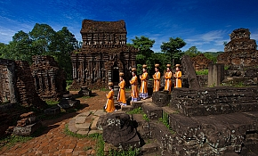 Vietnam World Heritages Road