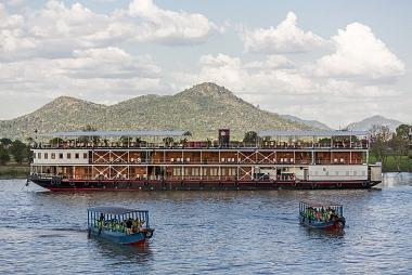 4 days Phnom Penh - Siem Riep on Pandaw Cruise