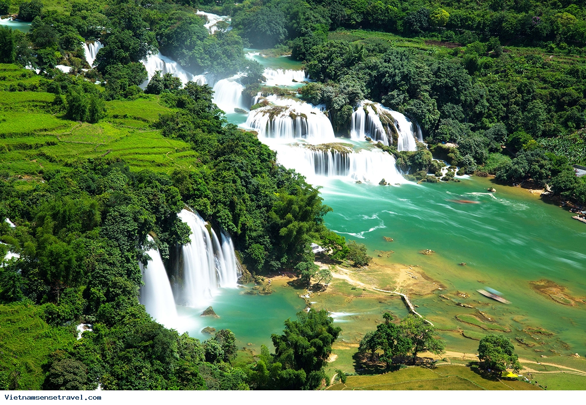Two Vietnam Waterfalls Among Worlds Most Beautiful - Ảnh 1